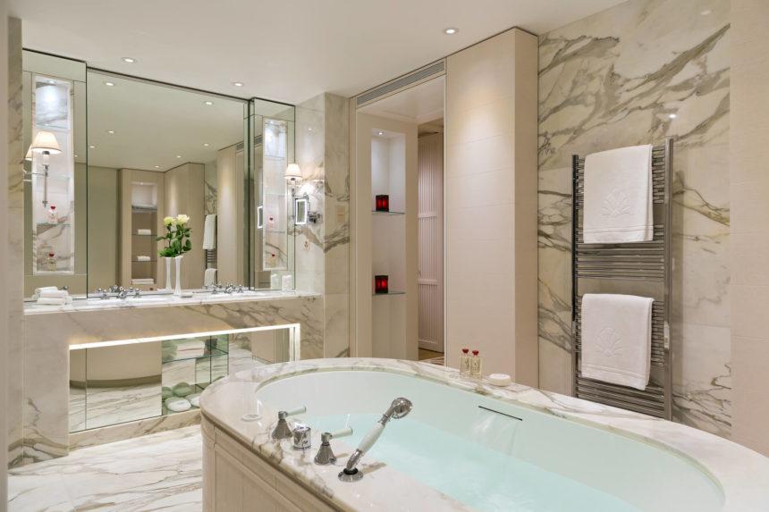 Ванная комната, 2-комнатные апартаменты в Санкт-Петербурге, 78м²
