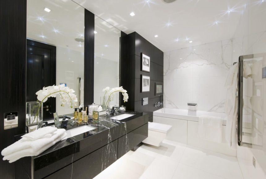 Ванная комната, 2-комнатные апартаменты в Санкт-Петербурге, 94м²